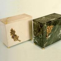 Marbelua szögletes urna